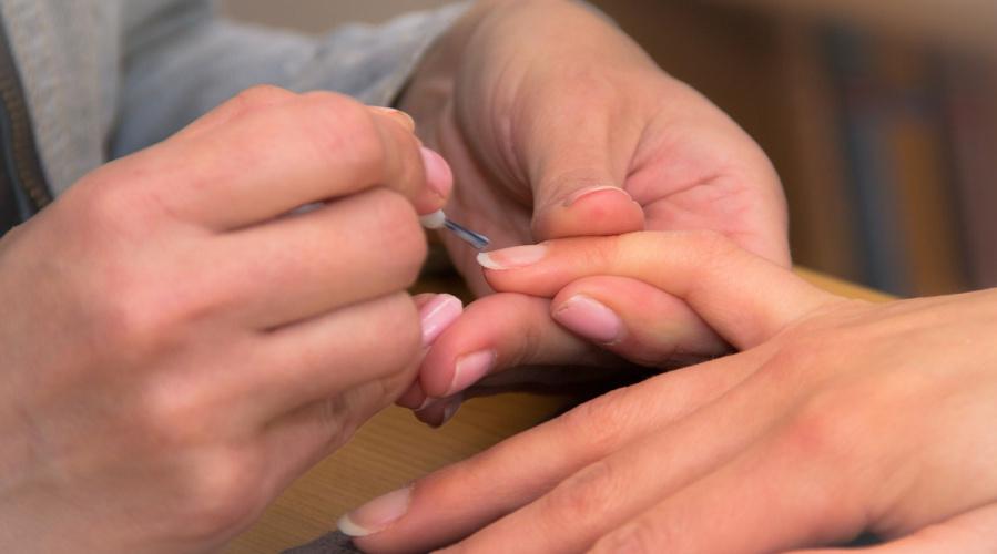 Consejo dermocosmético en el paciente oncológico. Cuidado de las uñas.