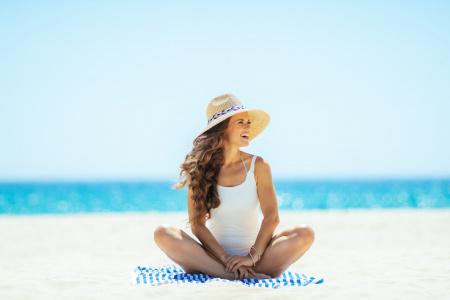 6 recomanacions per cuidar la salut capil·lar a l'estiu