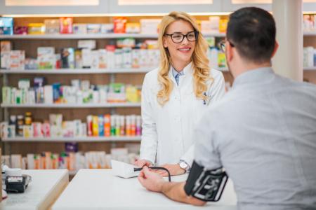 ¿Cómo te ayuda tu farmacéutico a controlar tus parámetros de salud?