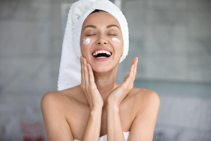 Cuida de tu piel para combatir el maskne