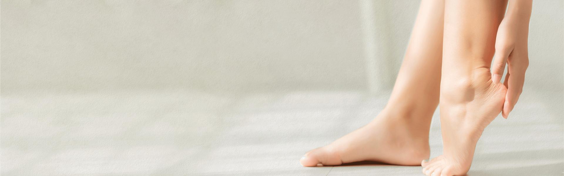 <p>¿Sabías que la fascitis plantar<br /> es una de las principales causas<br /> del dolor de talón?</p>